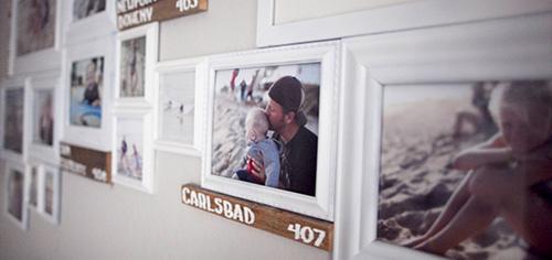 Semplici Modi Per Decorare Pareti Casa : Semplici modi per appendere le foto alle pareti di casa